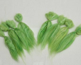 """Suri Alpaca Doll Hair dyed and combed locks, light green, Batik, 6- 8"""" for reroot and BJD doll wigmaking, 14 g"""