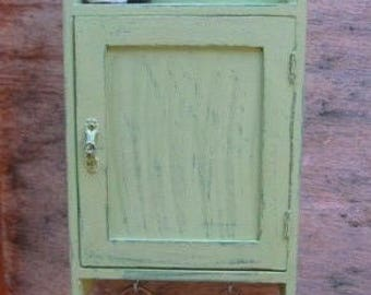 WOODEN KEY BOX - Key Cabinet - Wall Hanging Keys Hanger - Soft Green Shabby Chic Key Holder