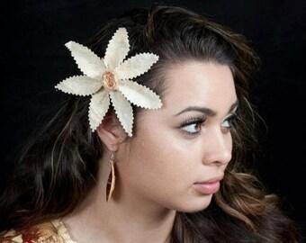 Authentic Plain Tapa Cloth Hair Clip. Polynesian Plain Tapa Cloth Flower Hair Clip.. Perfect For Wedding, Luau, Gifts, Dancers!