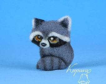 Animal wool jewelry Needle felted brooch pin Raccon accessory Funny badge Miniature forest animal Natural wool accessories Kids small gift