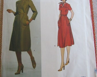 UNCUT Vogue Sewing Pattern #1531 Vintage Pullover Back Wrapped Dress Designer Original Sybil Connolly Pattern Size 12 All Seasons Easter
