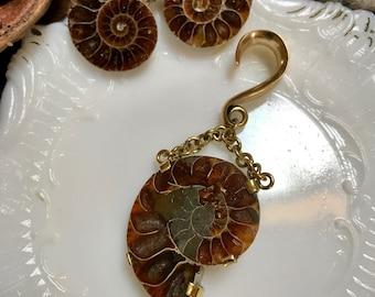 Rootz - Ammonite orecchio pesi, pesi di orecchio, pesi di fossili dell'orecchio, goccia orecchio pesi, ciondola orecchio gancio, calibro orecchino, Orecchini etnici, Bohemian