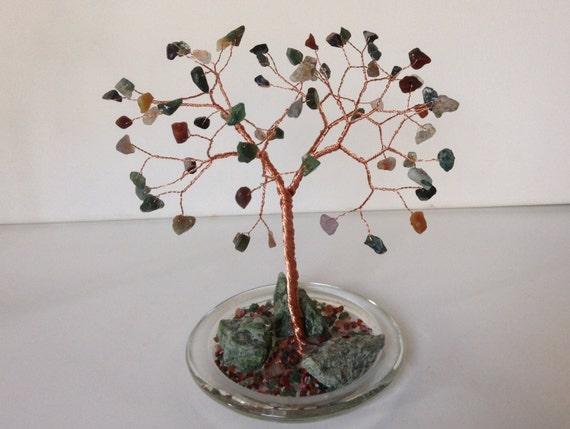 Edelstein-Baum-Draht-Skulptur. Diopsid & Indian Achat Baum des