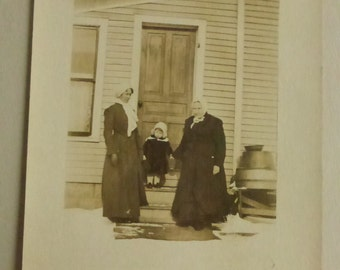 Vintage Photo Post Card Family Group on Porch  PC1305
