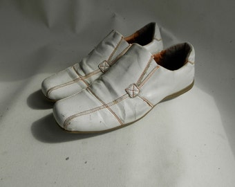 Original 1980s White Leather Summer Shoes (UK 7)
