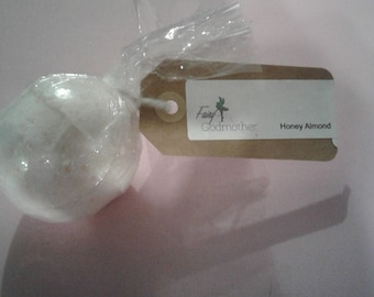 Fairy godmother bath bomb (honey almond/ glitter)