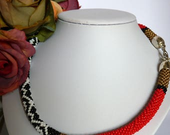 Necklaces, handmade, necklaces for women, jewelry, perfect gift, crochet necklace, bead crochet, free shipping, red, black