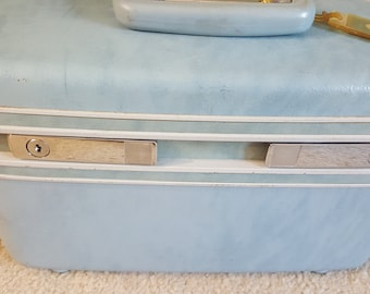 Samsonite Train Case, Vintage Luggage, 1960s Light Blue