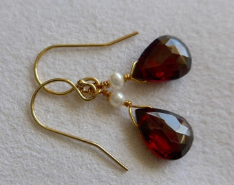 Garnet and Pearl earrings, garnet earrings, pearl earrings, garnet and labradorite earrings, gold filled earrings, labradorite earrings