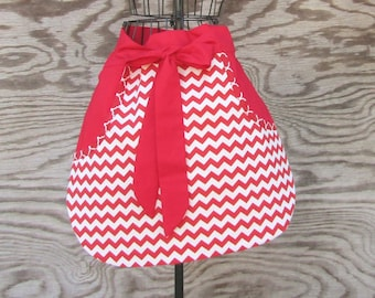 Red Apron, Chevron Apron, Craft Apron, Cooking Apron, Vendor Apron, Garden Apron, Server Apron