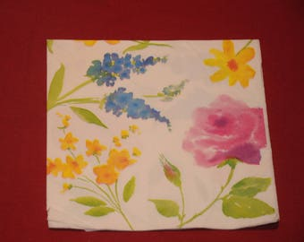 """""""flowers of spring"""" themed paper napkin"""