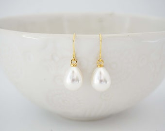 Pearl Teardrop Earrings | Bridesmaid Earrings | Wedding Jewelry