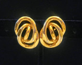 Vintage Monet Hammered Gold Tone Swirl Clip On Earrings