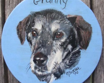 Pet Urn, pet Portrait, small disk pet portrait for wooden pet urn, customized portrait of pet for urn