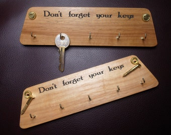 Gifts under a tenner 1 X solid wood wall mounted key rack ( don't forget your keys) FREE POSTAGE