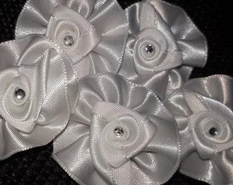 Set of 5 rosettes rhinestone lapel flower - 40 mm - white satin tie pin
