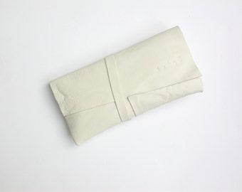 GIZA Minimal white milk leather clutch