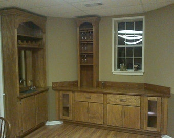 Wet Bar & Built in Cabinets !