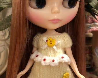 Yellow blythe blooming dress