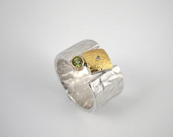 Modern wide band ring made of 22K gold and 925 silver with a small diamond and a peridot stone, Hammered ring, Gift for her, Geometric ring.