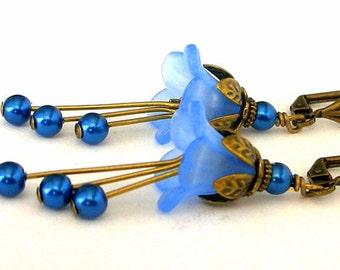 Cornflower blue flower earrings, light blue lucite floral earrings