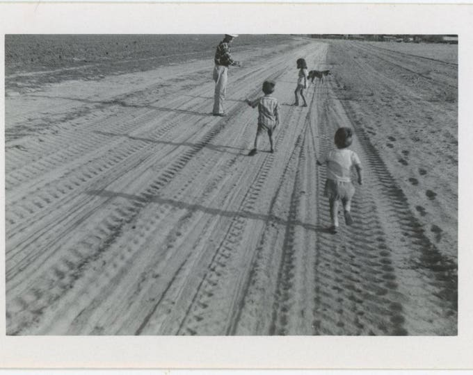 Vintage Snapshot Photo: Dirt Road, Tire Tracks, Children (711622)
