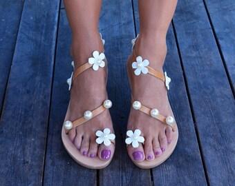 Wedding flats, Bridal sandals, Flower sandals, Pearl sandals, Wedding sandals, White sandals, Romantic sandals ''Delicate''