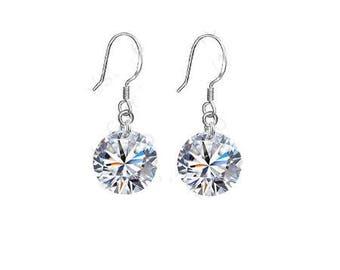 Nice pair of stud earrings (earrings)