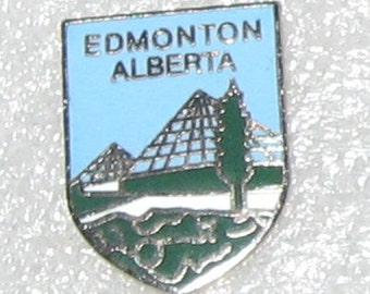 Edmonton, Alberta, Canada hat or lapel pin. Vintage collectible, Canadian souvenir, cloisonne style. Butterfly back.