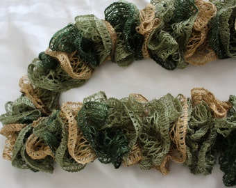 Sashay ruffle scarf-green