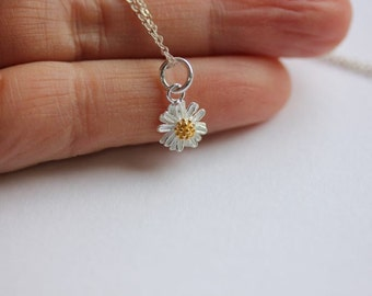 Silver Daisy necklace,Daisy necklace in Sterling Silver,Flower necklace,Flower Jewelry Yellow Daisy necklace,Daisy Flower,Bridesmaid Gift