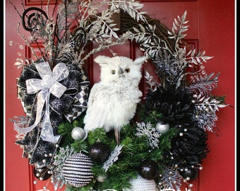 Black and Silver Owl Christmas Wreath, winter swag, Winter Wreath, woodland Wreath, Christmas Decor, Owl Decor, Rustic Wreath, Door Wreath