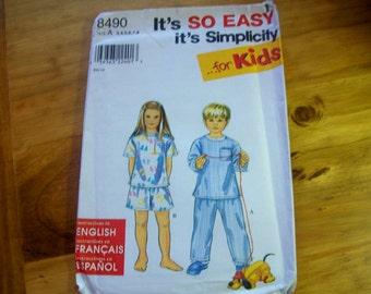 Simplicity 8490 child's pajamas sewing pattern