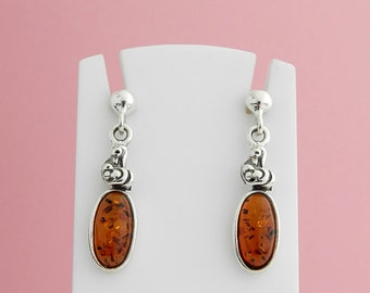 Earrings made of amber and silver