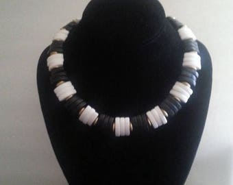 ON SALE Vintage Black & White Chunky Necklace ** 1980's Retro Rockabilly Collectible Accessory