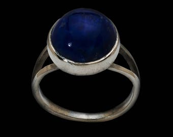 Silver ring with lapis lazuli or onyx for women