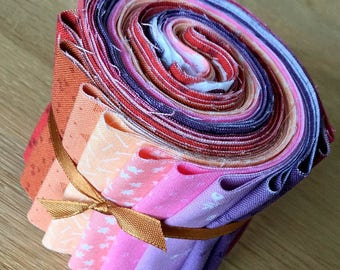 """BIJOUX Warm Colours 1 Mini Jelly Roll by Makower Quilting Fabric Strips 2.5"""" pink red orange purple"""