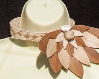 Authentic hala leaves neck piece for Cook Islands & Tahitian dancers or any Polynesian dancers. Perfect piece for girl dancers of all ages.