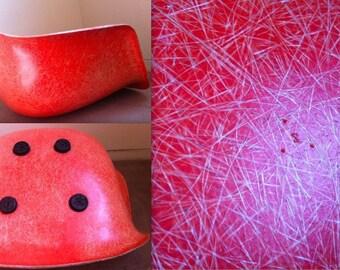 """EAMES Salmon Orange Zenith 3 dots """"Z"""" Original Vintage Fiberglass Armshell HERMAN MILLER Chair"""