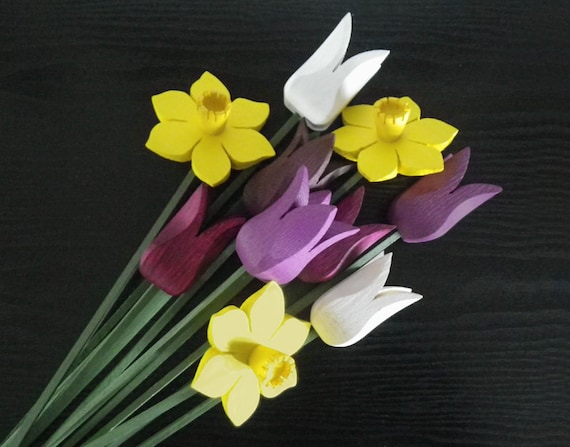Spring Bouquet...daffodils just in time for April-Cancer-Awareness-Month! Proceeds to the Canadian Cancer Society, handcrafted wooden decor