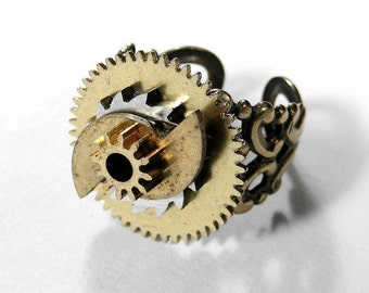 Steampunk Ring Vintage Watch STACKED GEARS Adjustable Brass Mens Ring Womens Ring Rocker, Mens Steampunk Ring Gift - Jewelry by edmdesigns