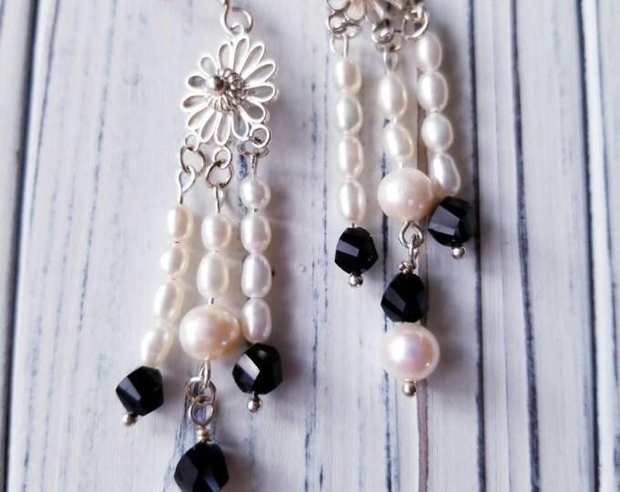 Dangle pearl earrings, long pearl earrings, freshwater pearl earrings, dangle earrings, long beaded earrings, chandelier pearl earrings