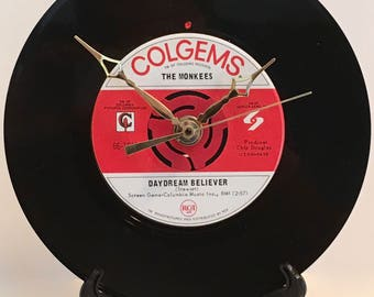"""Recycled THE MONKEES 7"""" Record • Daydream Believer • Record Clock"""