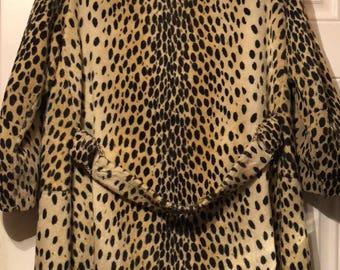 Gorgeous Sz Lg Vintage  Leopard Print Coat