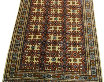 Rug Persian authentic Torkaman is 188cm x 134cm size hands.