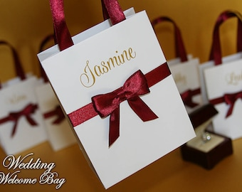 Small Personalized Bridesmaid Gift Bags with Burgundy ribbon, bow and name - Bride Gifts bags with satin ribbon - Gift bag for Bridal party