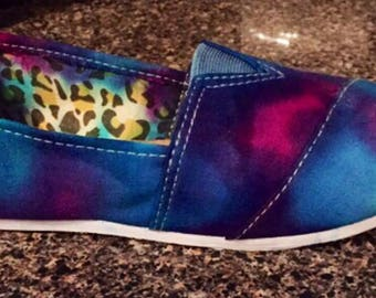 Tie Dye Shoes, Canvas shoes, Tiedyed Toms, Slip on Shoes, Rainbow shoes, tiedyed vans, Tie Dye Shoes, Tie Dye Shoes, Toms Knockoffs, Tie Dye