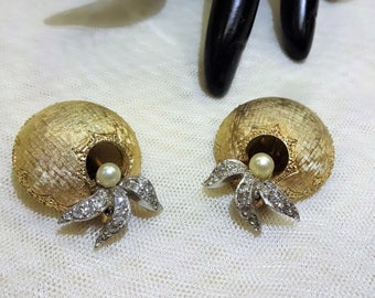 Beautiful Vintage Jomaz Domed  Faux Pearl and Rhinestone Floral Earrings