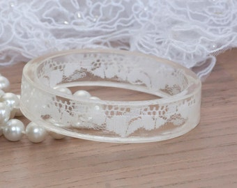 Boho weddings jewelry - Lace bangle - Resin bracelet - bridal lace bracelet - lace bridal bangle - lace jewelry - wedding lace jewelry