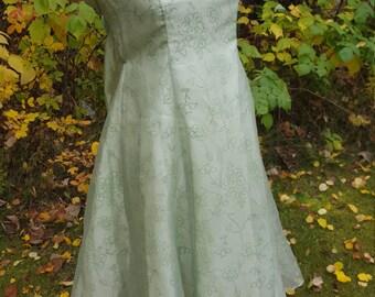 Fall-ow me anywhere Green dress